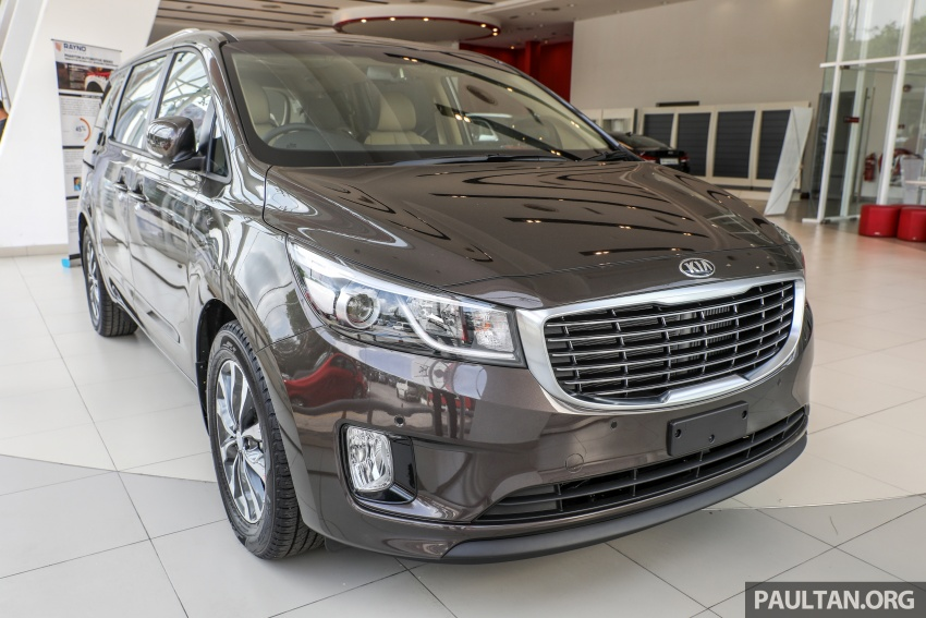 Kia Grand Carnival CKD – same price, more features Image #758648