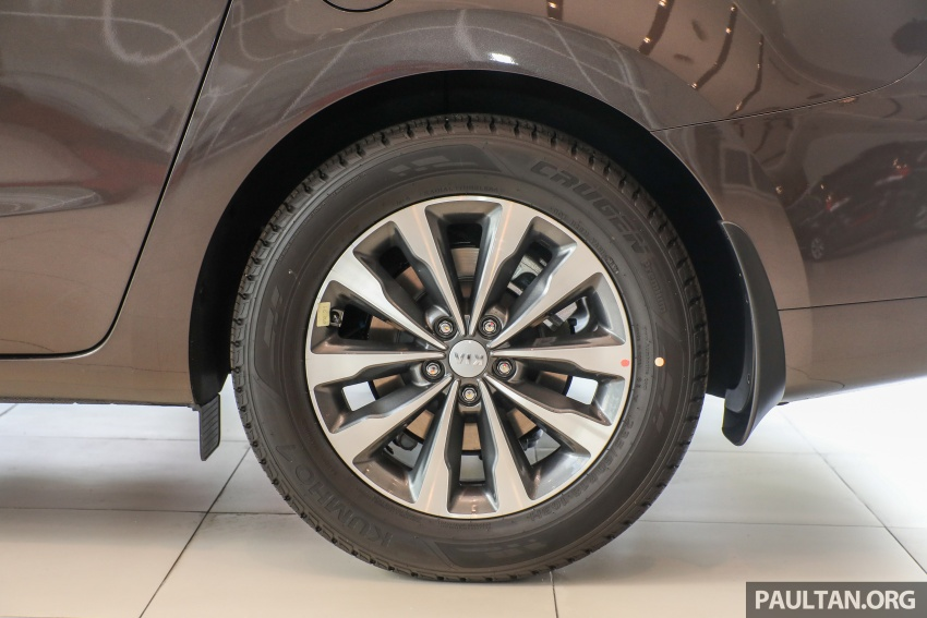 Kia Grand Carnival CKD – same price, more features Image #758674