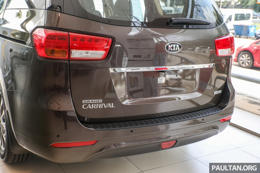 Kia Grand Carnival CKD – same price, more features Image #758676