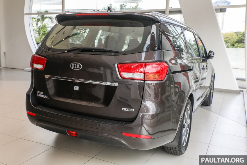 Kia Grand Carnival CKD – same price, more features Image #758650