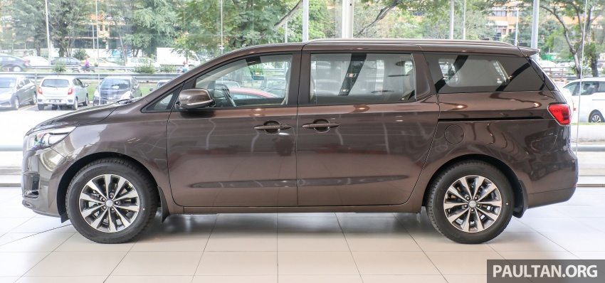 Kia Grand Carnival CKD – same price, more features Image #758652