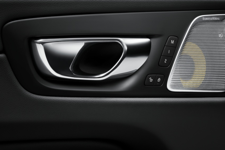 Volvo XC60 2018 dilancarkan di Malaysia – varian CKD dari RM299k, varian CBU tunggal pada harga RM374k Image #765736