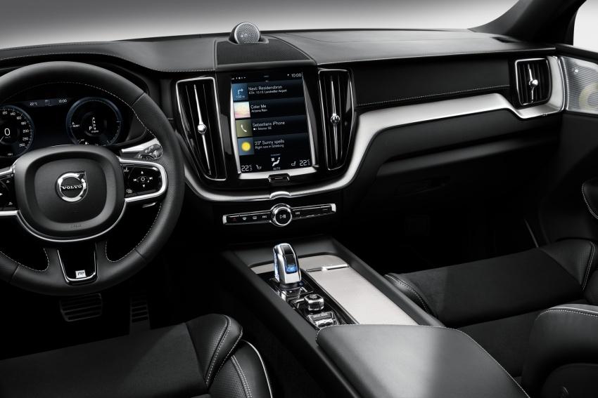 Volvo XC60 2018 dilancarkan di Malaysia – varian CKD dari RM299k, varian CBU tunggal pada harga RM374k Image #765738