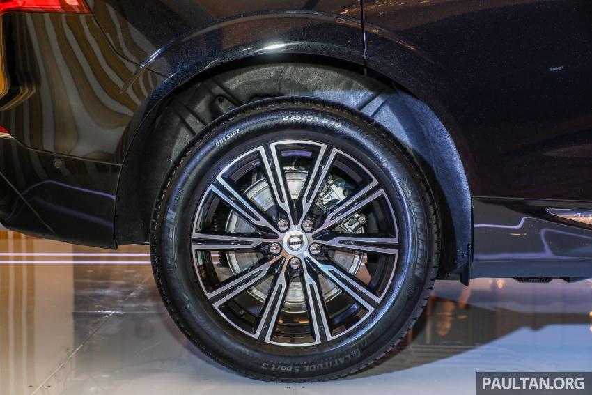 Volvo XC60 2018 dilancarkan di Malaysia – varian CKD dari RM299k, varian CBU tunggal pada harga RM374k Image #766300