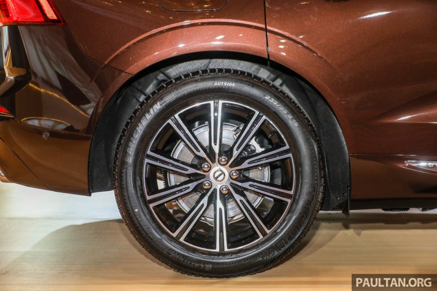 2018 Volvo XC60 launched in Malaysia – CBU T8 PHEV at RM374k, CKD T5 and T8 to arrive later, from RM299k Image #766041