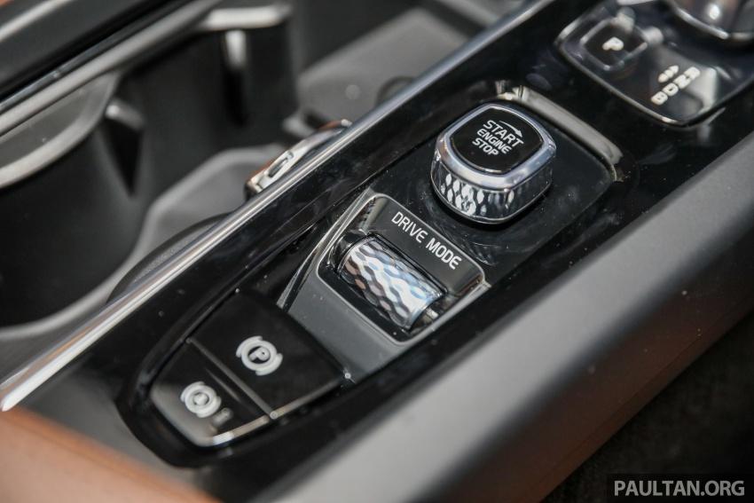 Volvo XC60 2018 dilancarkan di Malaysia – varian CKD dari RM299k, varian CBU tunggal pada harga RM374k Image #766335