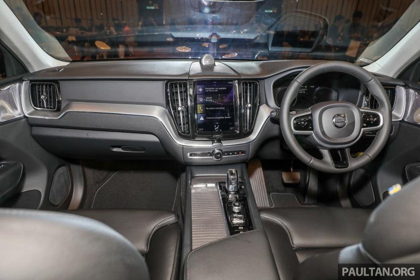 Volvo XC60 2018 dilancarkan di Malaysia – varian CKD dari RM299k, varian CBU tunggal pada harga RM374k Image #766372