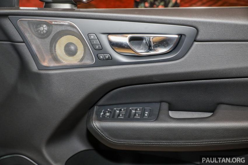 Volvo XC60 2018 dilancarkan di Malaysia – varian CKD dari RM299k, varian CBU tunggal pada harga RM374k Image #766380