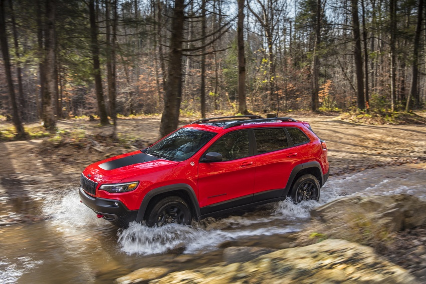 2019 Jeep Cherokee fully revealed – new 2.0L turbo Image #766412