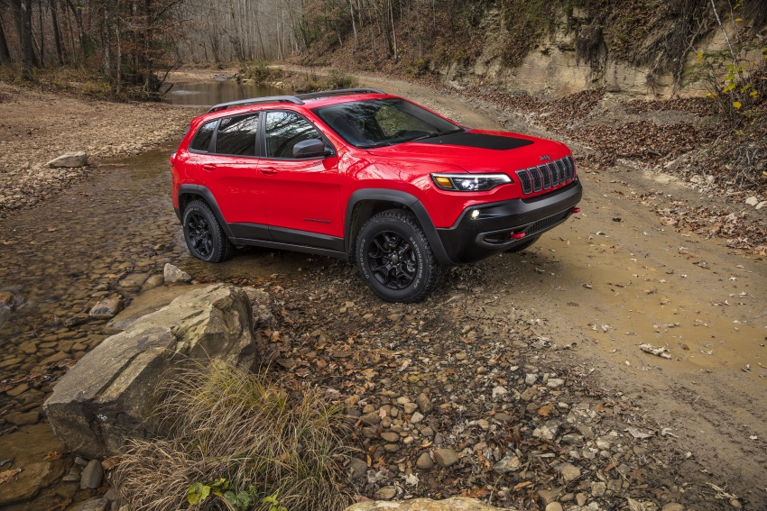 2019 Jeep Cherokee fully revealed – new 2.0L turbo Image #766418