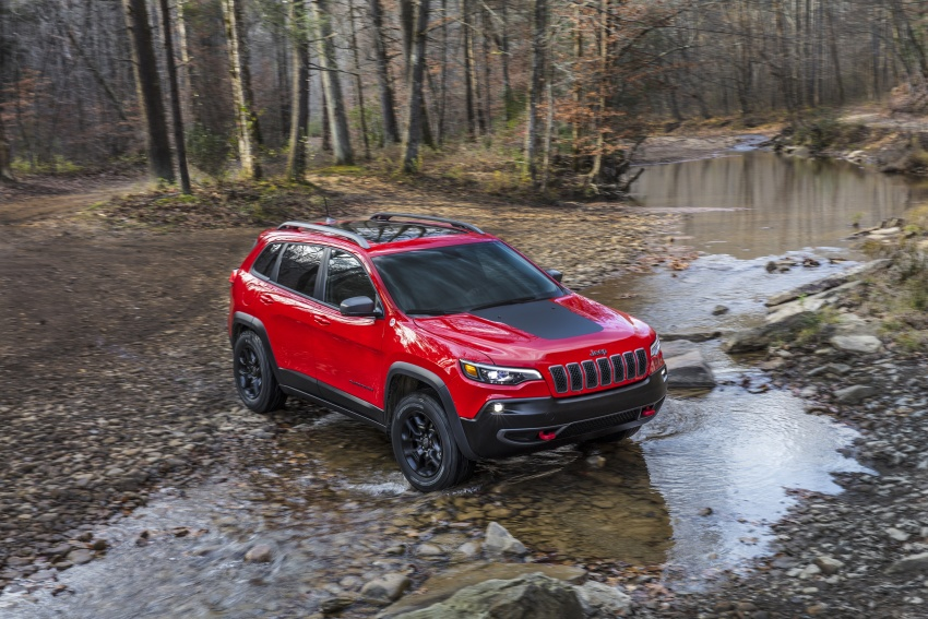 2019 Jeep Cherokee fully revealed – new 2.0L turbo Image #766420