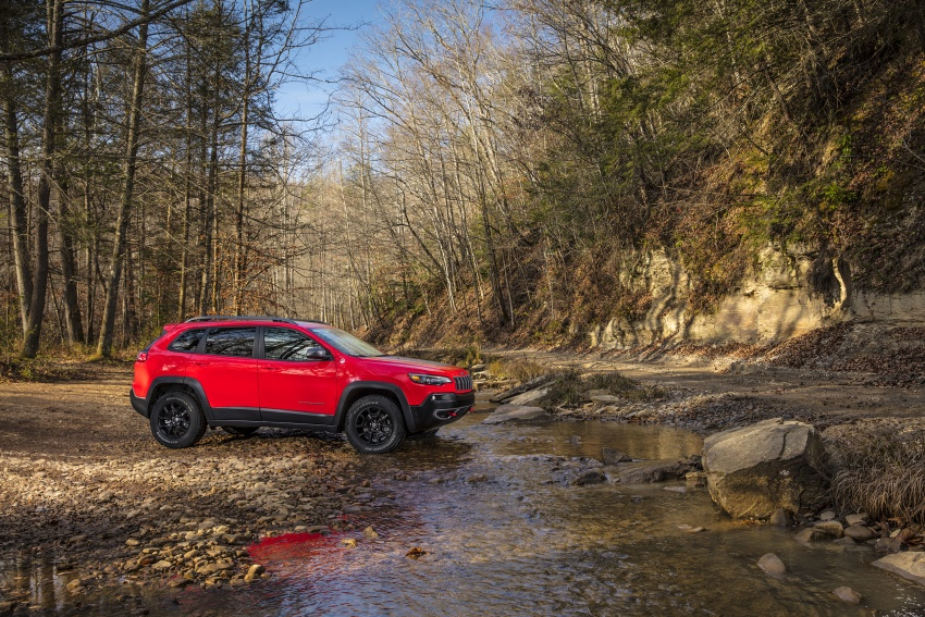 2019 Jeep Cherokee fully revealed – new 2.0L turbo Image #766424