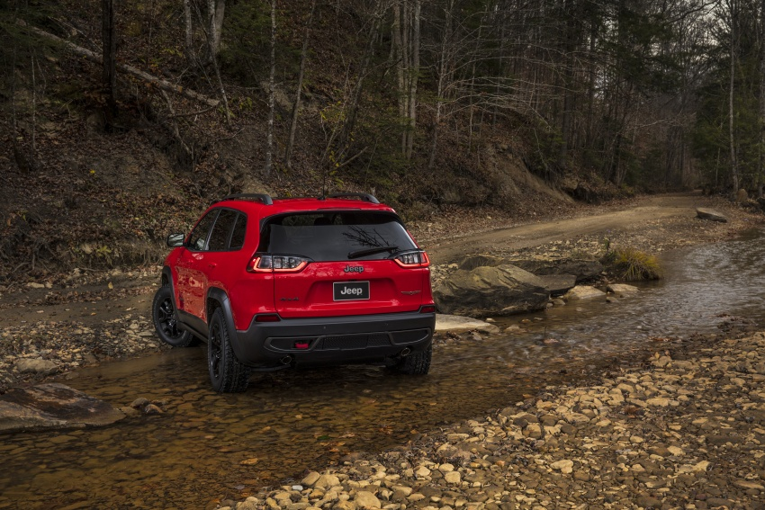 2019 Jeep Cherokee fully revealed – new 2.0L turbo Image #766428