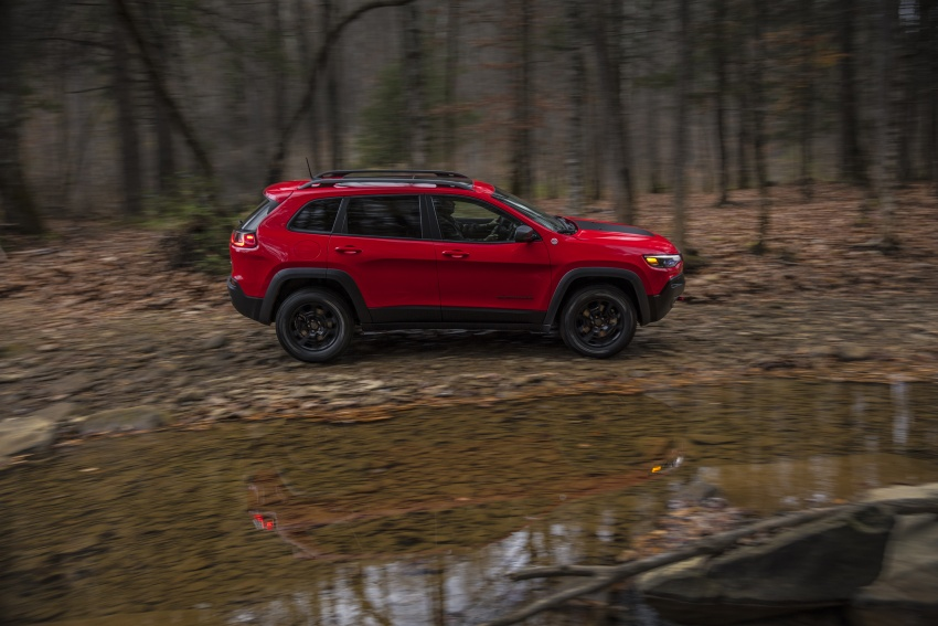 2019 Jeep Cherokee fully revealed – new 2.0L turbo Image #766430