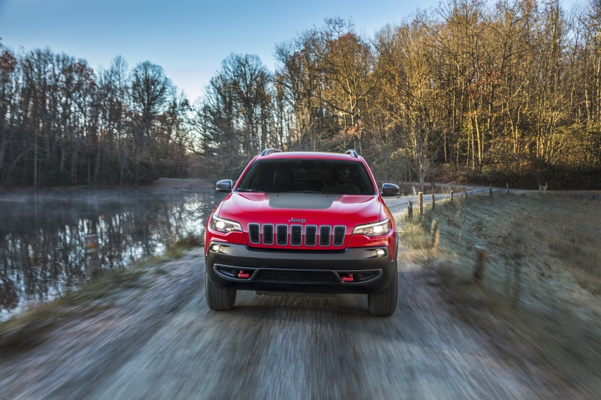 2019 Jeep Cherokee fully revealed – new 2.0L turbo Image #766435