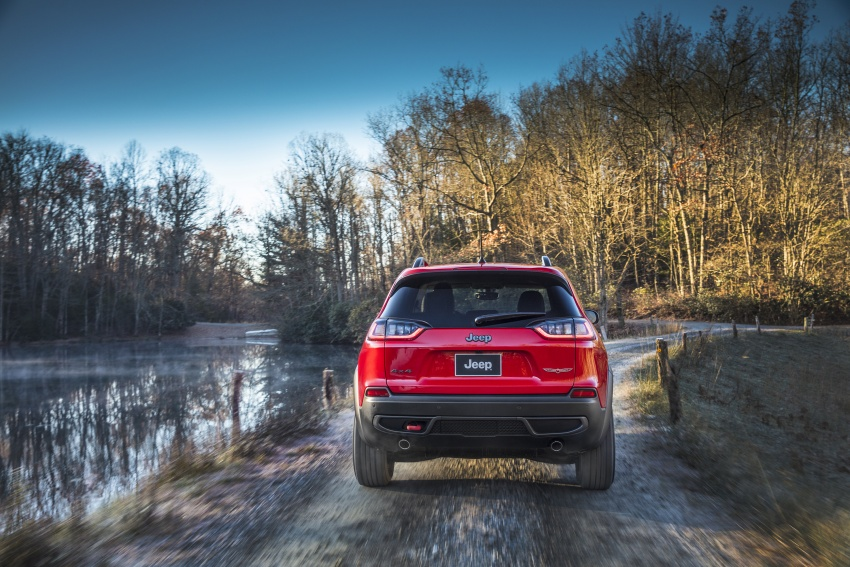 2019 Jeep Cherokee fully revealed – new 2.0L turbo Image #766437