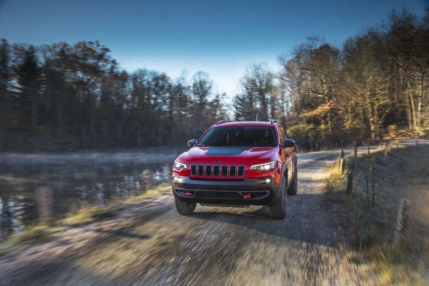 2019 Jeep Cherokee fully revealed – new 2.0L turbo Image #766439
