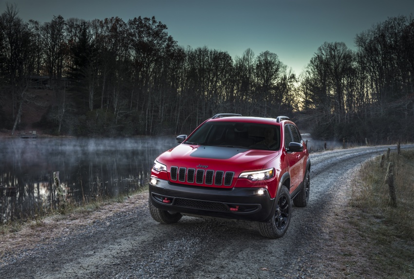 2019 Jeep Cherokee fully revealed – new 2.0L turbo Image #766447