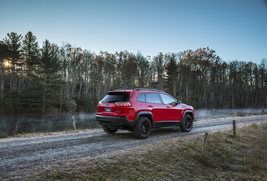 2019 Jeep Cherokee fully revealed – new 2.0L turbo Image #766448