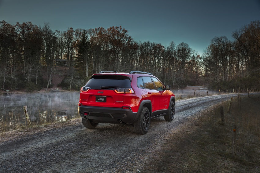 2019 Jeep Cherokee fully revealed – new 2.0L turbo Image #766450