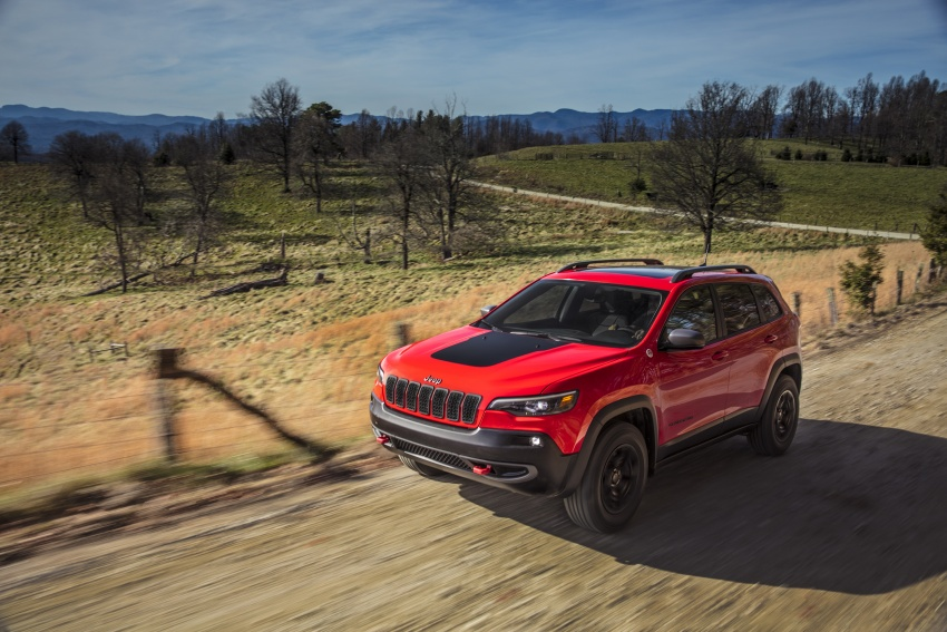2019 Jeep Cherokee fully revealed – new 2.0L turbo Image #766452