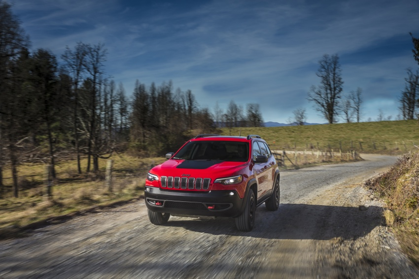 2019 Jeep Cherokee fully revealed – new 2.0L turbo Image #766457