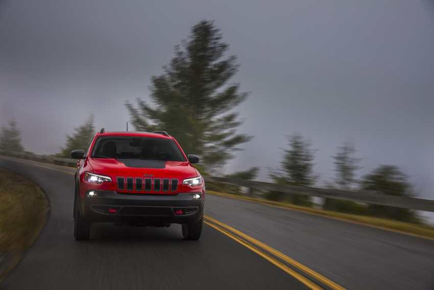 2019 Jeep Cherokee fully revealed – new 2.0L turbo Image #766464