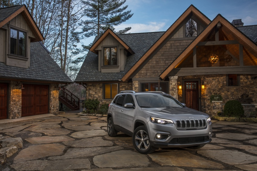 2019 Jeep Cherokee fully revealed – new 2.0L turbo Image #766490