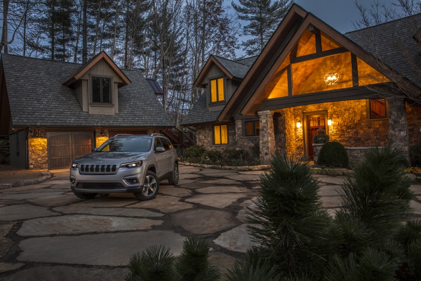 2019 Jeep Cherokee fully revealed – new 2.0L turbo Image #766491