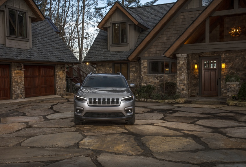 2019 Jeep Cherokee fully revealed – new 2.0L turbo Image #766492