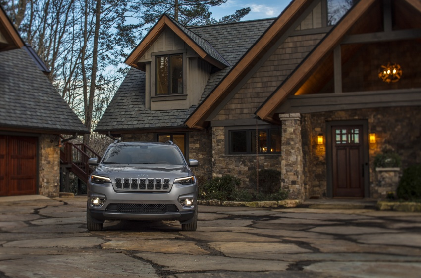 2019 Jeep Cherokee fully revealed – new 2.0L turbo Image #766493