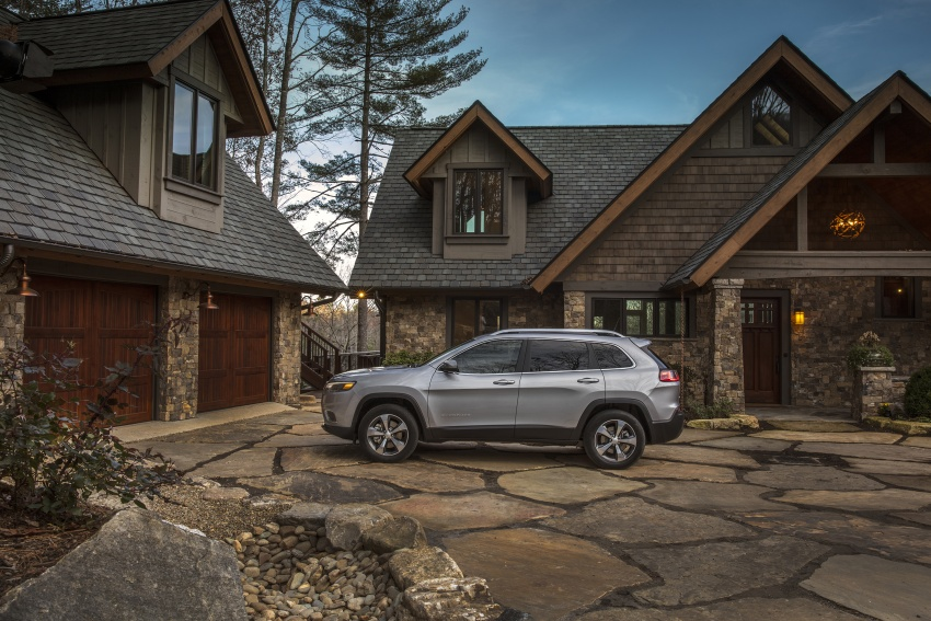 2019 Jeep Cherokee fully revealed – new 2.0L turbo Image #766495