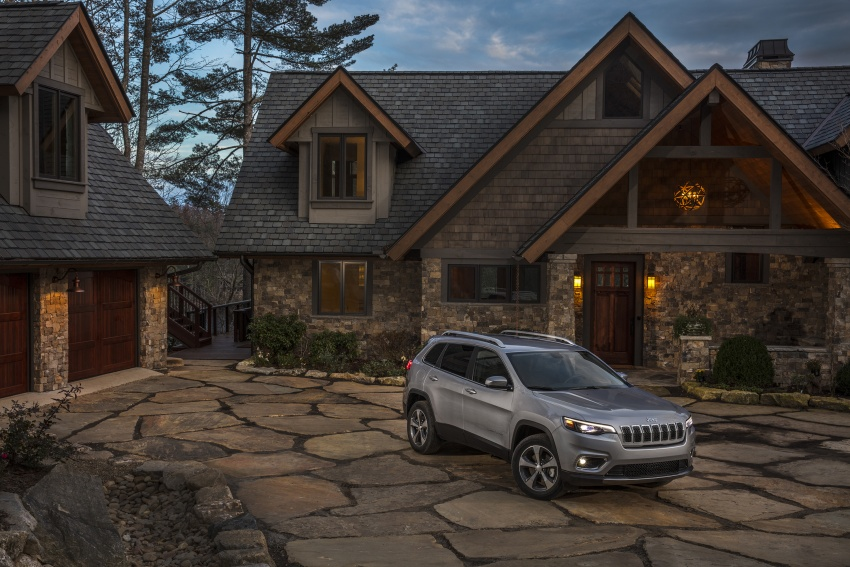 2019 Jeep Cherokee fully revealed – new 2.0L turbo Image #766497