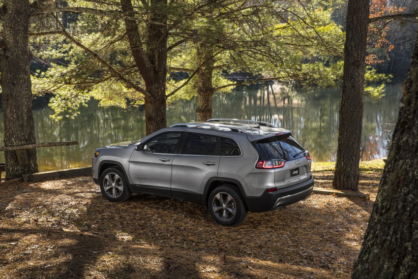 2019 Jeep Cherokee fully revealed – new 2.0L turbo Image #766501