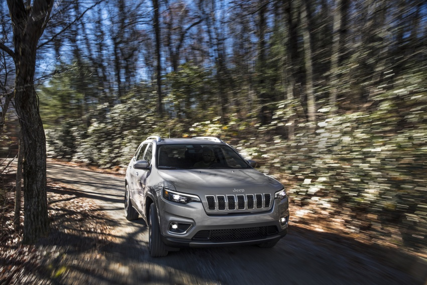 2019 Jeep Cherokee fully revealed – new 2.0L turbo Image #766503
