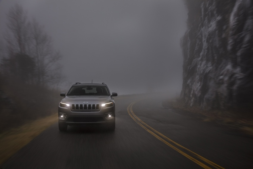 2019 Jeep Cherokee fully revealed – new 2.0L turbo Image #766518
