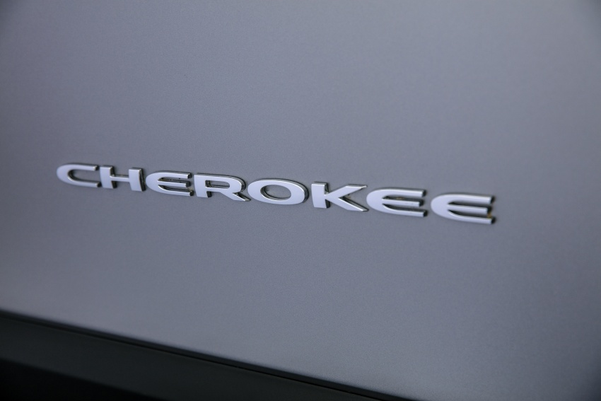 2019 Jeep Cherokee fully revealed – new 2.0L turbo Image #766529