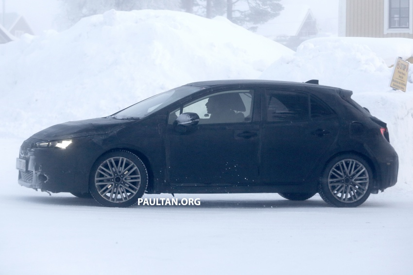 SPYSHOTS: Next-gen Toyota Corolla spotted testing Image #763902