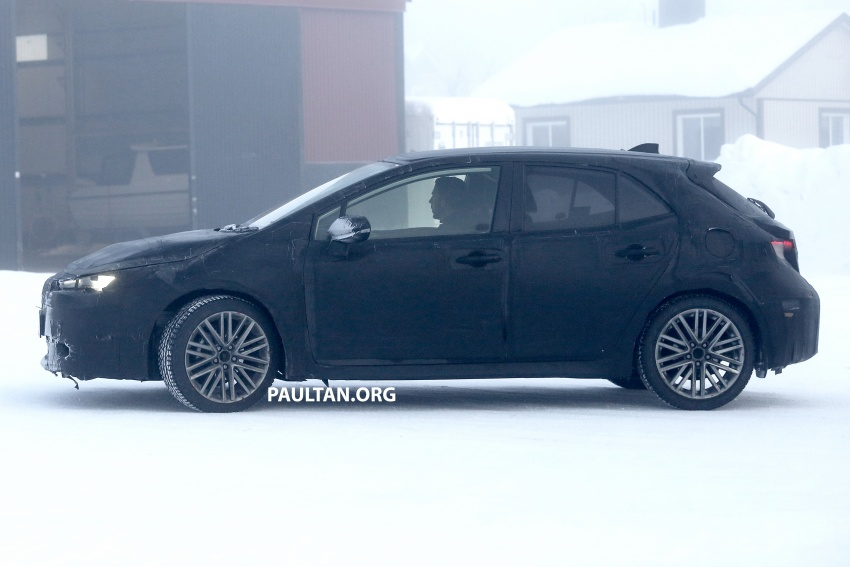 SPYSHOTS: Next-gen Toyota Corolla spotted testing Image #763903