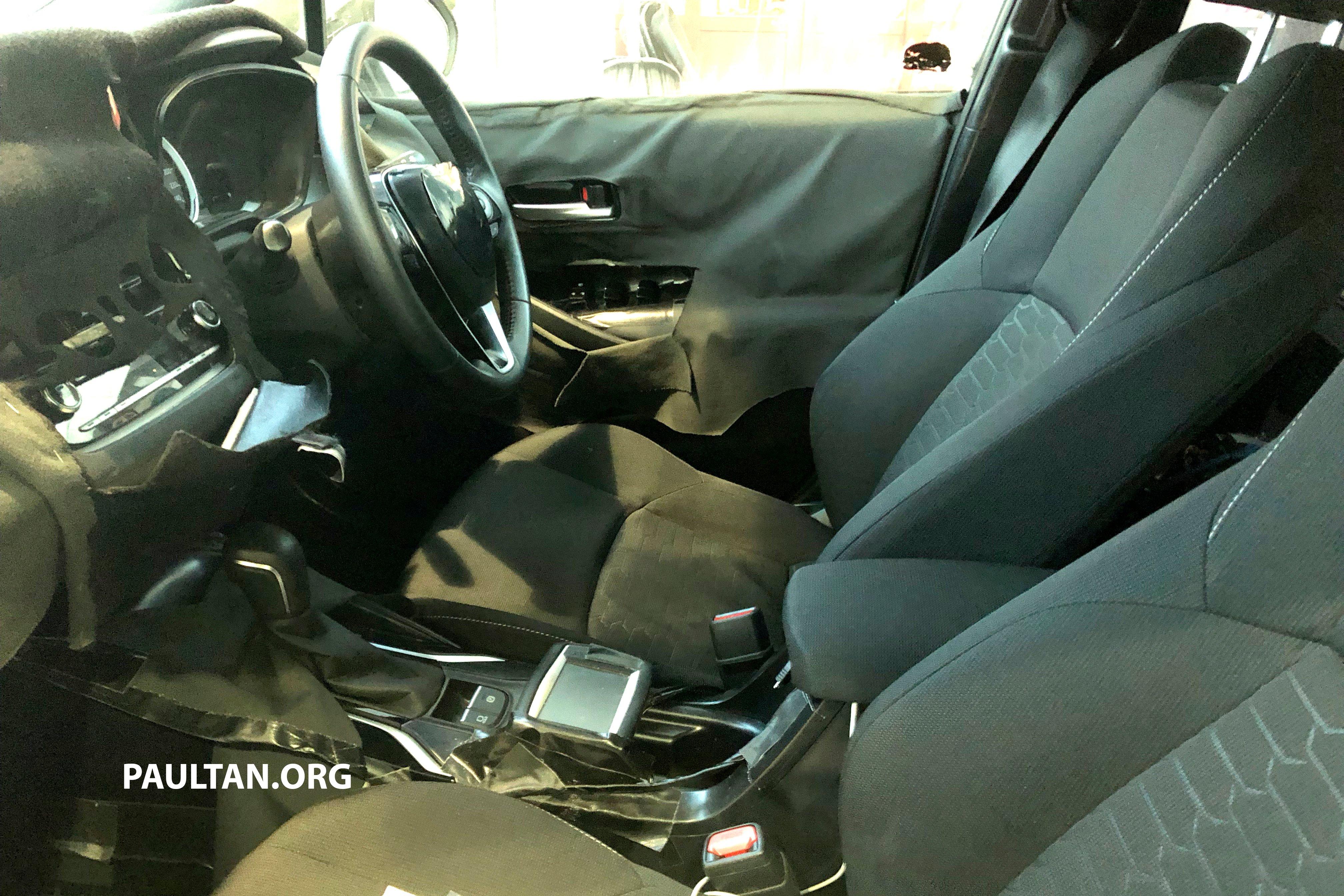 https://paultan.org/image/2018/01/2019-Toyota-Auris-spyshots-22.jpg