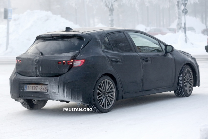 SPYSHOTS: Next-gen Toyota Corolla spotted testing Image #763897