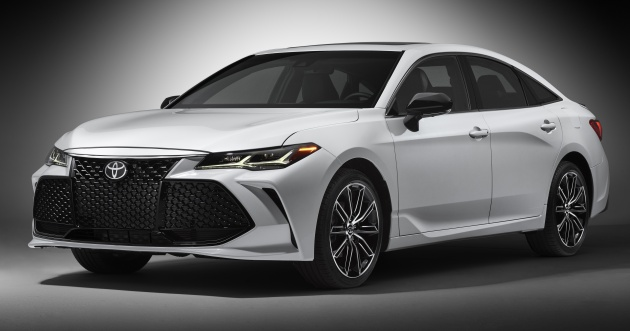 2019 Toyota Avalon Aggressive Large Sedan Debuts