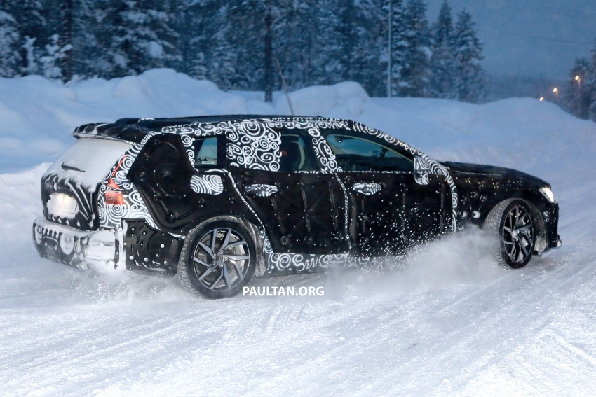 SPYSHOTS: 2019 Volvo V60 spotted for the first time Image #770871
