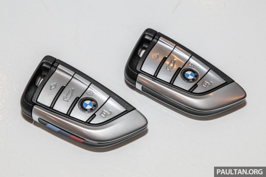 GALLERY: BMW 530e iPerformance plug-in vs 530i Image #769773