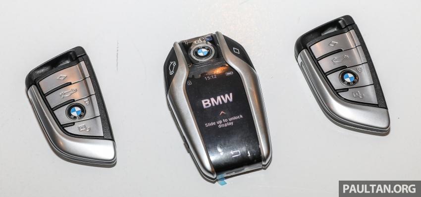 GALLERY: BMW 530e iPerformance plug-in vs 530i Image #769774