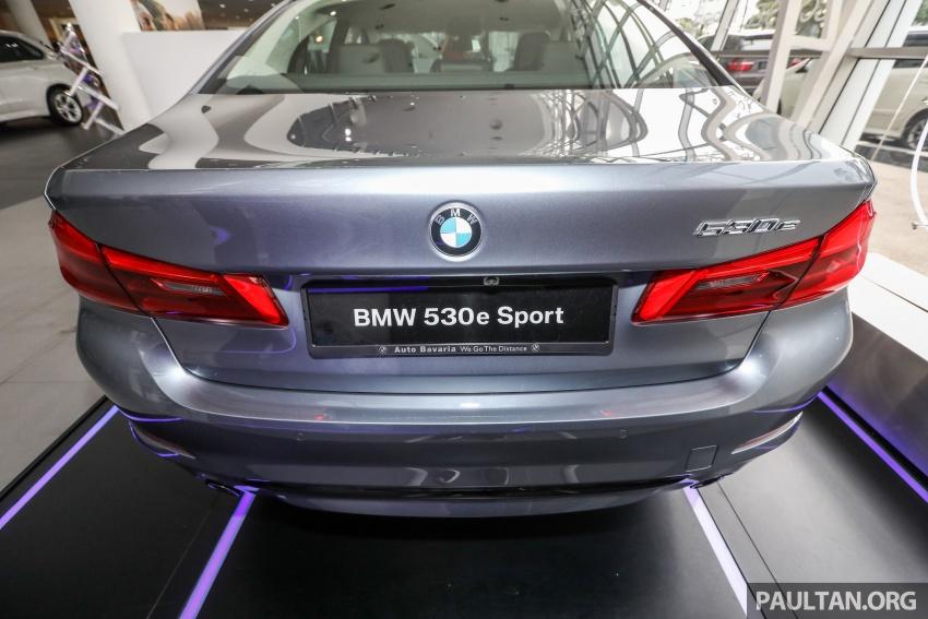 GALLERY: BMW 530e iPerformance plug-in vs 530i Image #769788