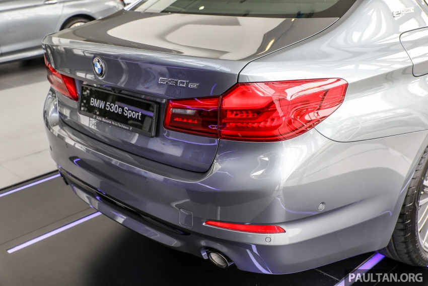 GALLERY: BMW 530e iPerformance plug-in vs 530i Image #769789