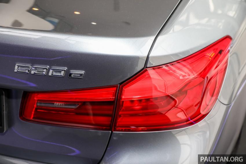 GALLERY: BMW 530e iPerformance plug-in vs 530i Image #769791