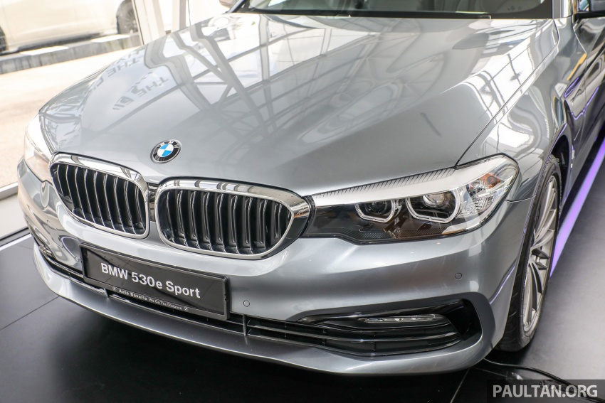 GALLERY: BMW 530e iPerformance plug-in vs 530i Image #769779