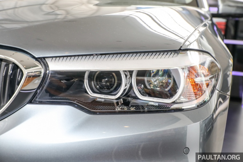 GALLERY: BMW 530e iPerformance plug-in vs 530i Image #769780